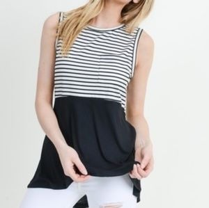 3/$25 Doe & Rae Black & White Tunic Top Small